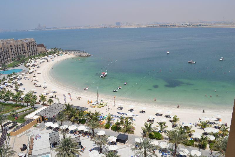 Pláž hotela double tree by hilton resort and spa marjan island