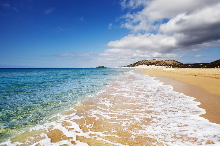 Pláž Golden beach na Cypre