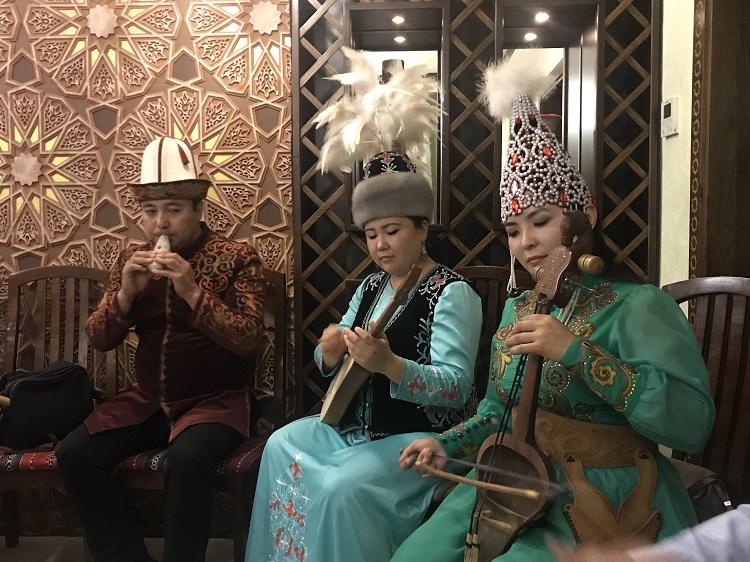 Tradície v kirgizsku