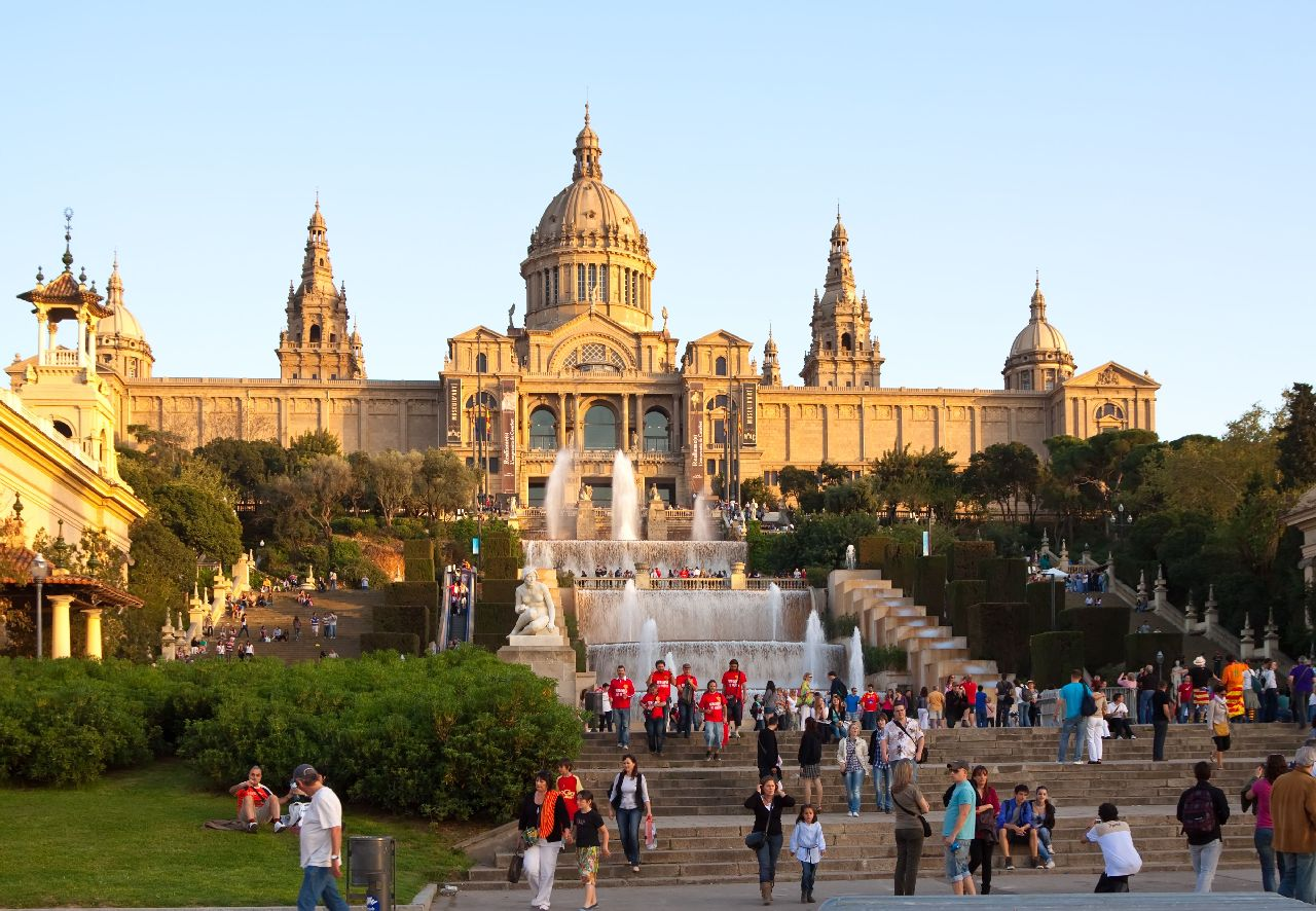 Montjuc a fontána v barcelone