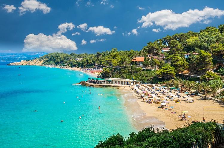 Pláž Platis Gialos na Kefalónii