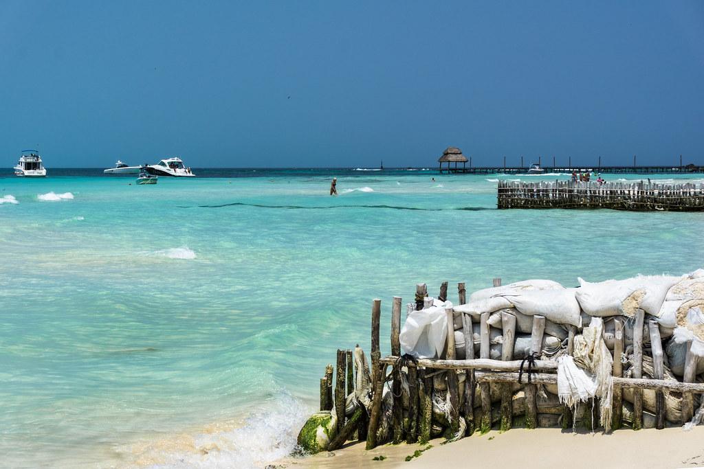 Playa norte na isla mujeres v mexiku