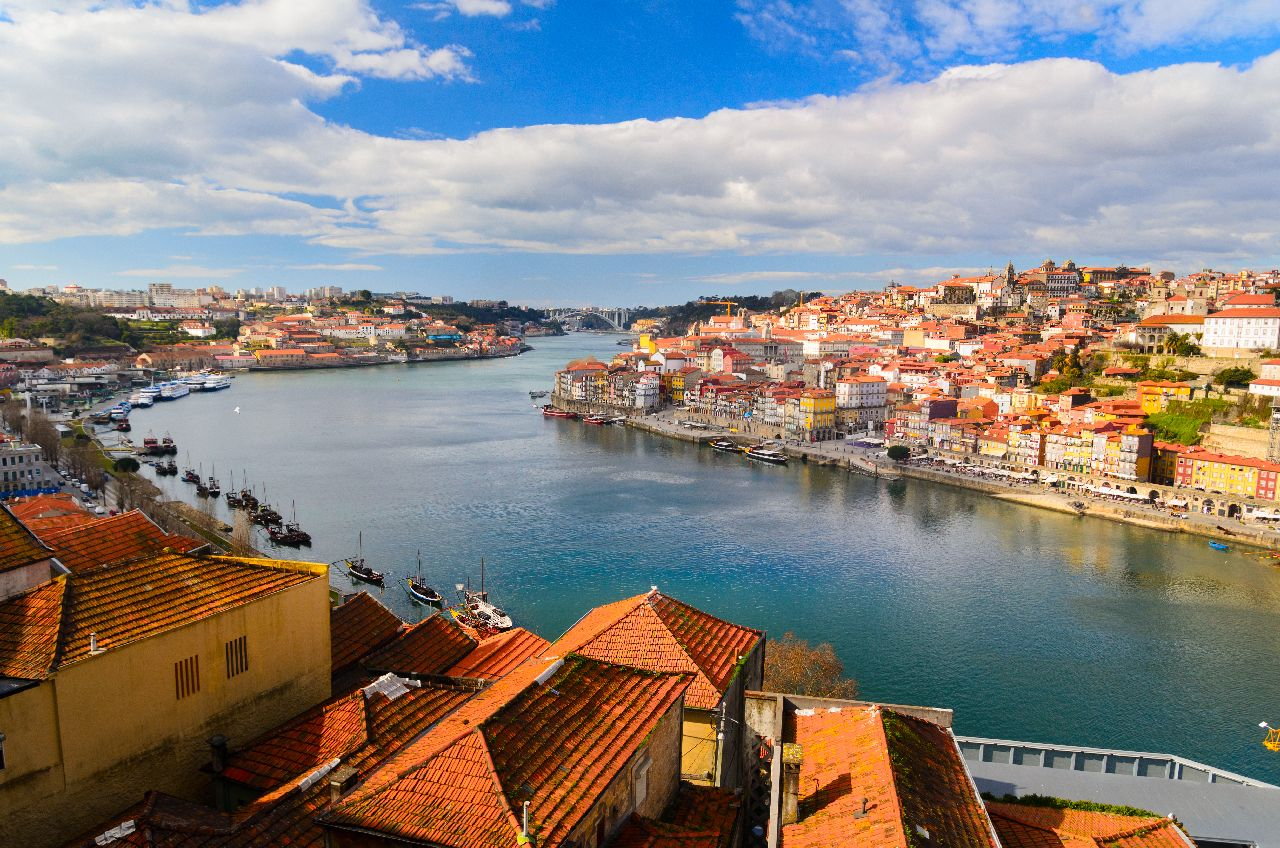 Rieka douro v porte v portugalsku