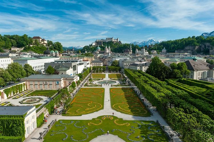 Panorama mesta salzburg v rakúsku