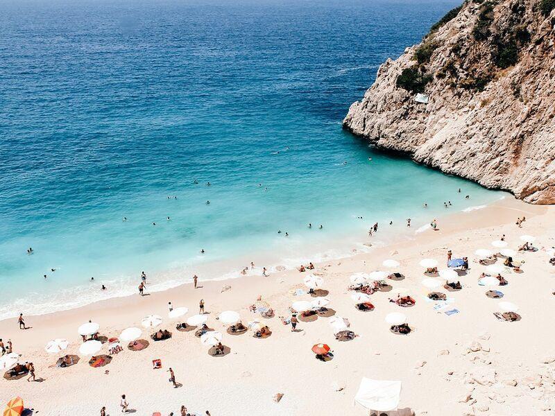 Ktoré pláže by ste v krajine, v ktorej aktuálne pôsobíte, klientom odporučili?