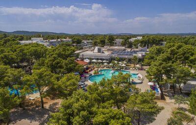 Pohľad na celý komplex hotela Amadria Park Adrija