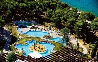 Areál hotela Solaris Niko