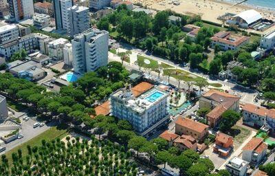 Pohľad z výšky na hotel Colombo