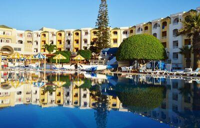 Hotel Club Thapsus s bazénom