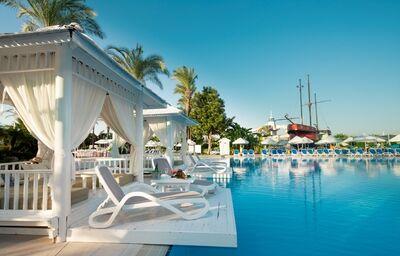 Hotel Titanic Beach Lara, Lara, bazén