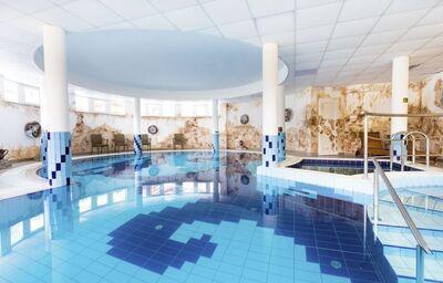 Vnútorný bazén v hoteli Aphrodite Foodness Family