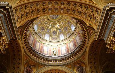 Interiér baziliky sv. Štefana