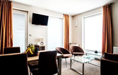 Posedenie v hoteli De Luxe