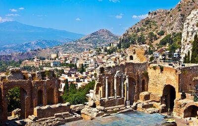 Taormina, antické divadlo, Sicília, poznávací zájazd, Taliansko