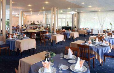 Jedáleň v hoteli Lux