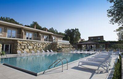 Vonkajší bazén hotela Relais I Piastroni