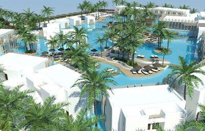 Bazénový komplex v hoteli Stella Island Luxury Resort & Spa