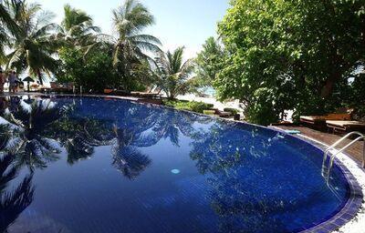 Bazén hotela Adaaran Prestige Vadoo