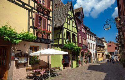 Riquewihr v Alsasku