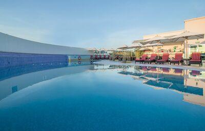 Vonkajší bazén, Hotel Holiday Inn Bur Dubai - Embassy District