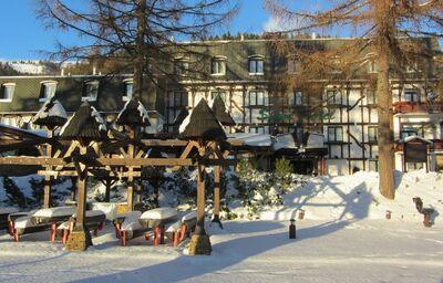 Pohľad na hotel Šport v zime