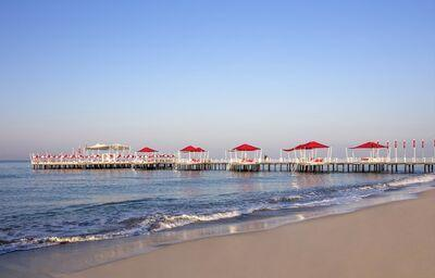 Pláž pred hotelom Selectum Luxury Resort