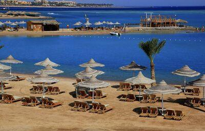 Piesková pláž pred hotelom Labranda Garden Makadi