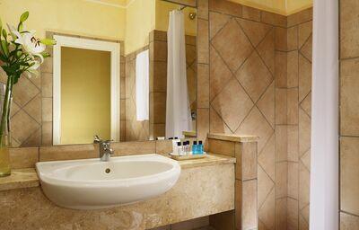 Kúpeľňa v hoteli VOI Colonna Beach
