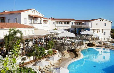 Pohľad na hotel Louis Althea Beach