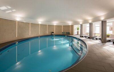 Vnútorný bazén v hoteli Šport