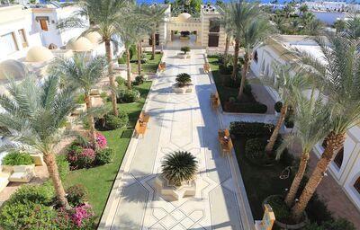 Areál hotela Club Reef Resort