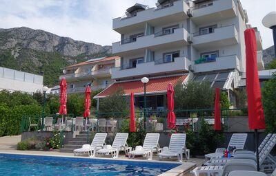Bazén a hotel Lukas