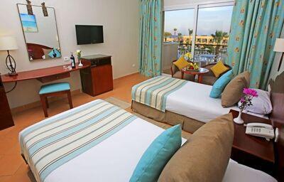 Izba s výhľadom na bazén hotela Labranda Royal Makadi