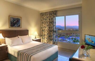 Izba s výhľadom na bazén v hoteli Aurora Bay