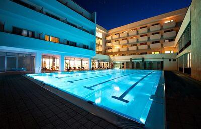 Vonkajší plavecký bazén v liečebnom dome Veľká Fatra