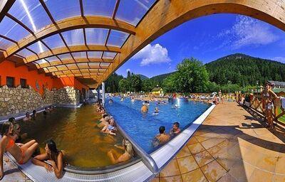 Vonkajšie bazény v kúpeľnom hoteli Choč