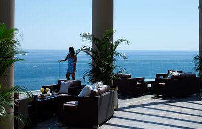 Terasa s výhľadom na more v hoteli Atrium Prestige Thalasso Resort & Spa