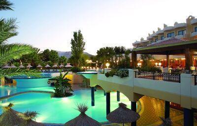 Bazén v hoteli Atrium Palace Thalasso Spa & Villas