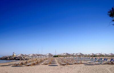 Pláž pred hotelom Sunconnect Marina Beach