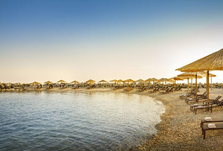 Pláž pred hotelom Aminess Laguna