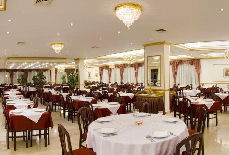 Jedáleň v hoteli Horizont