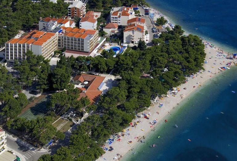 Pláž pred hotelom Horizont
