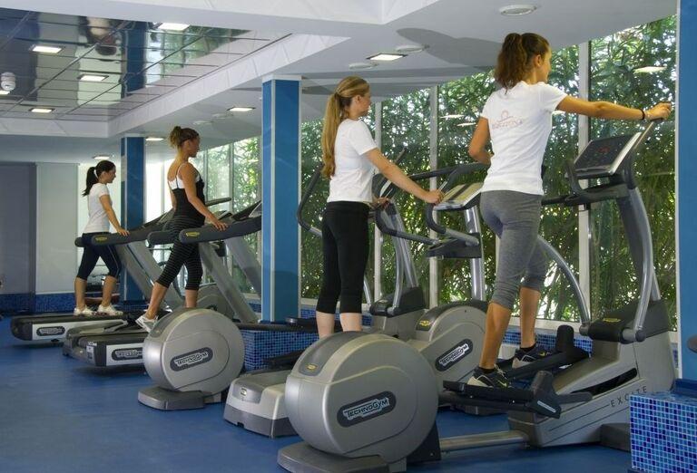 Ženy cvičiace vo fitness