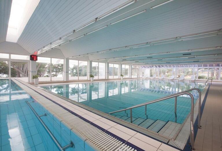 Vnútorný bazén v hoteli Biokovka
