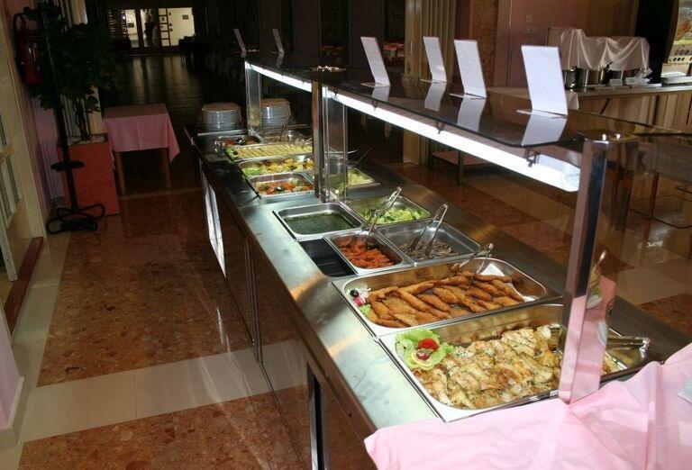 Švédske stoly v hoteli Biokovka