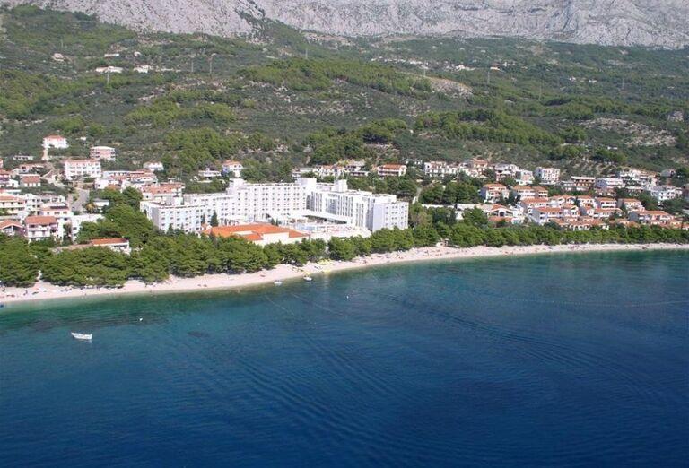 Pláž pred apartmánmi Dom Mario
