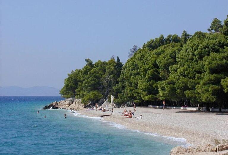 Pohľad na pláž pred apartmánmi Dom Mario