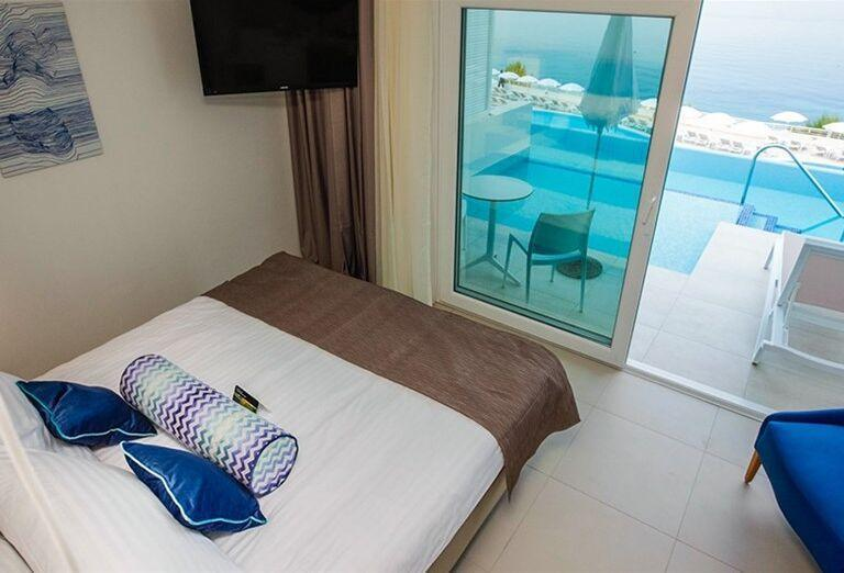 Izba s vlastným vstupom do bazéna v hoteli Sensimar Adriatic Beach Resort
