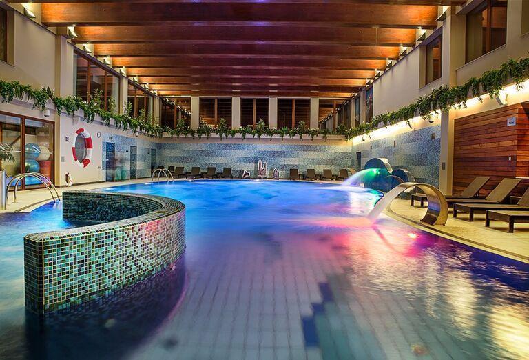 Vnútorný bazén v hoteli Wellness Hotel Diplomat