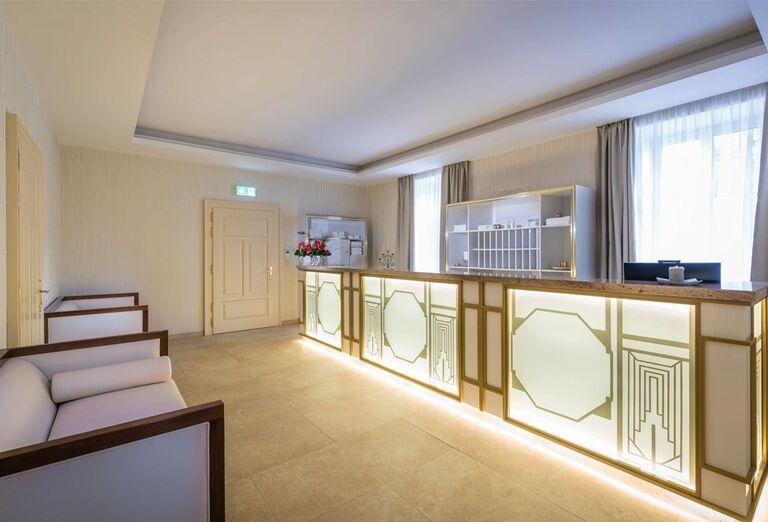 Recepcia vo wellness v hoteli Royal Palace